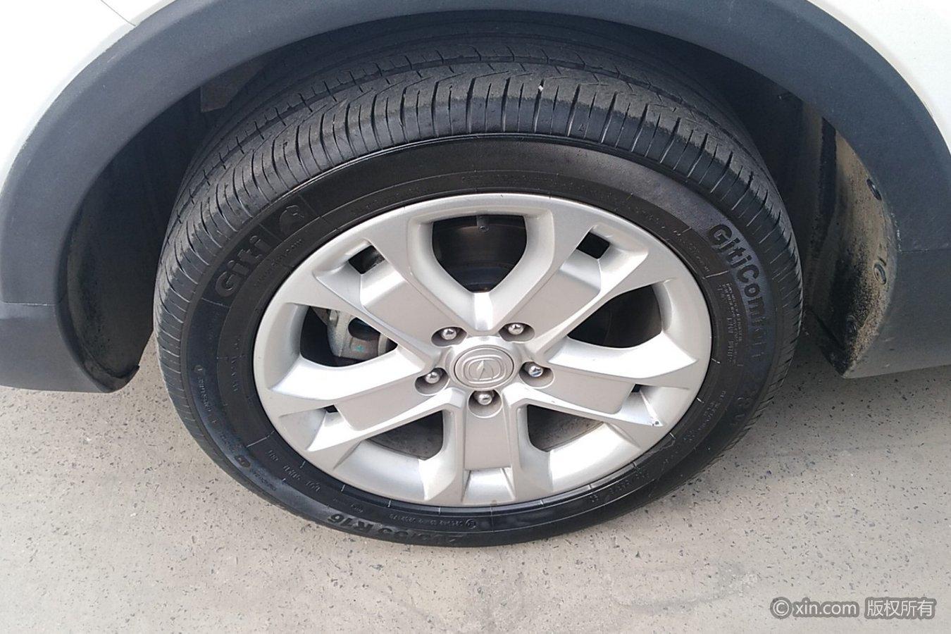 长安cs15左前轮胎图片