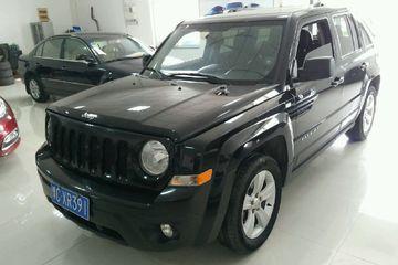 Jeep 自由客 2013款 2.4 自动 豪华导航版四驱