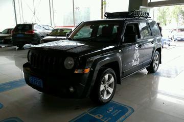 Jeep 自由客 2014款 2.0 自动 运动版前驱