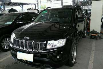 Jeep 指南者 2012款 2.0 自动 豪华版前驱