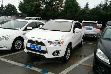 三菱 劲炫 2013款 2.0 手动 舒适版前驱