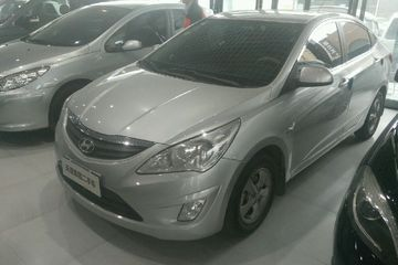 现代 瑞纳三厢 2013款 1.4 自动 GL标准型
