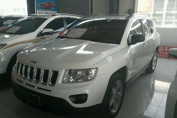 Jeep 指南者 2011款 2.4 自动 豪华导航版四驱