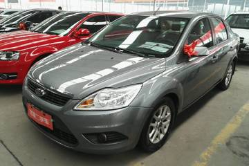 福特 福克斯三厢 2011款 1.8 手动 经典型