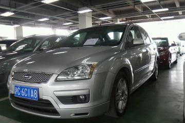 福特 福克斯三厢 2005款 2.0 自动 豪华型