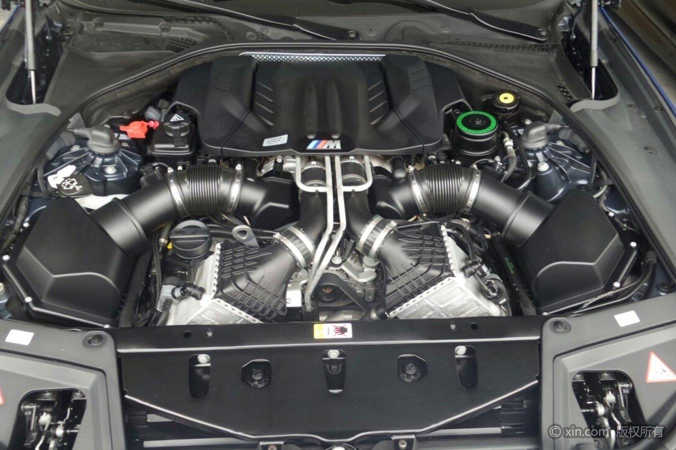 宝马M5发动机