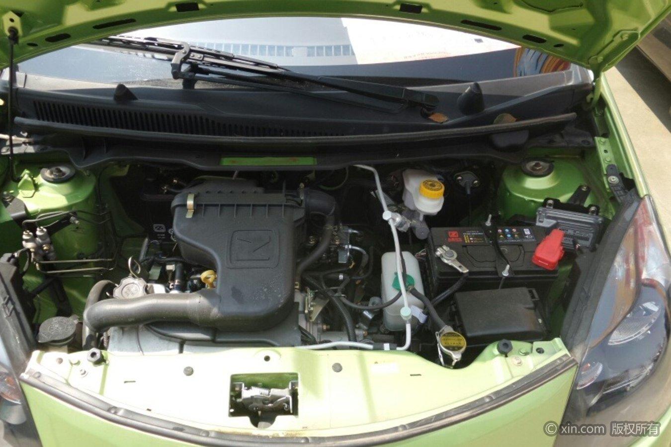 众泰Z100发动机