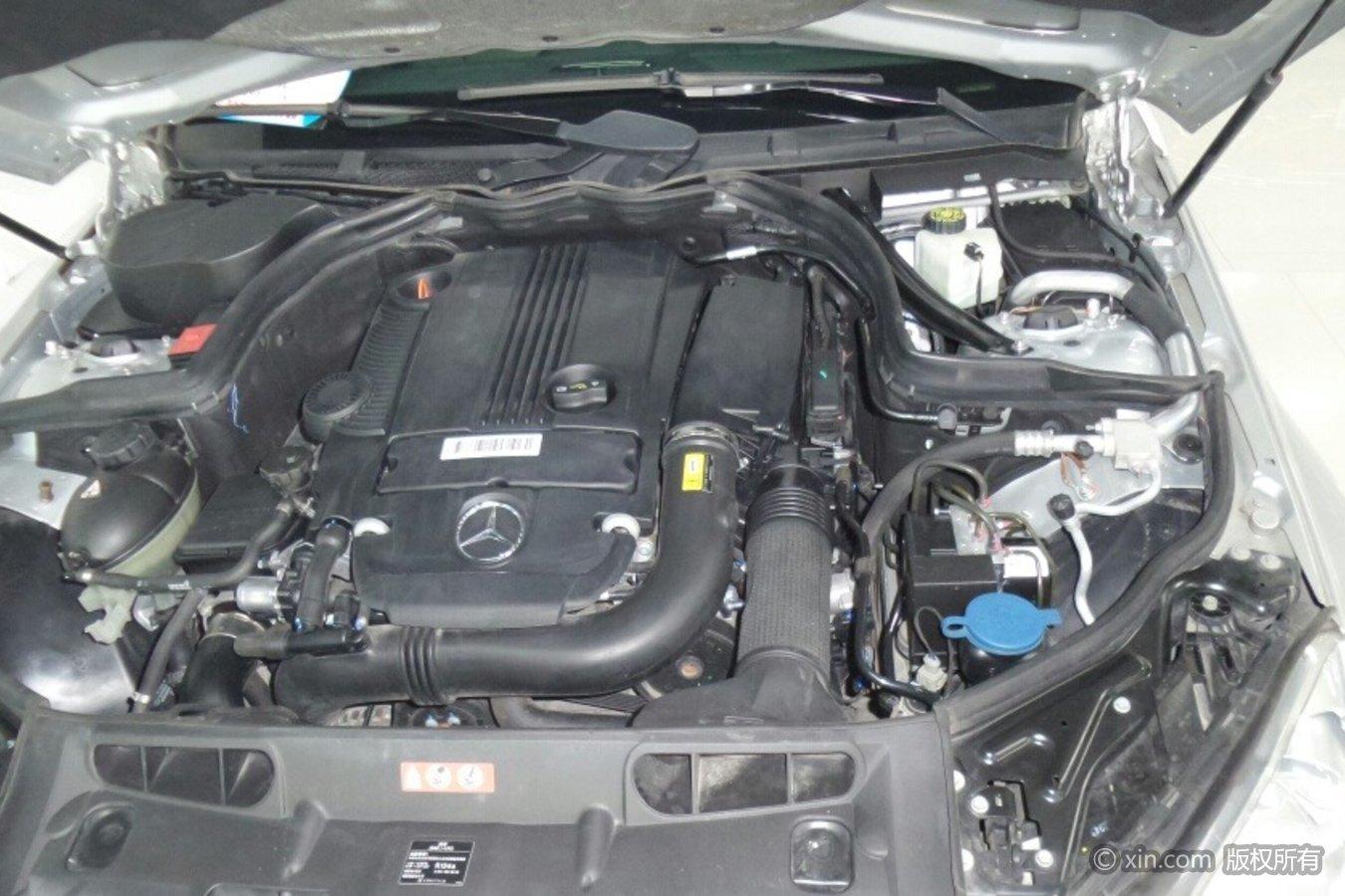 奔驰C级发动机