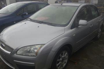 福特 福克斯三厢 2006款 1.8 手动 经典型